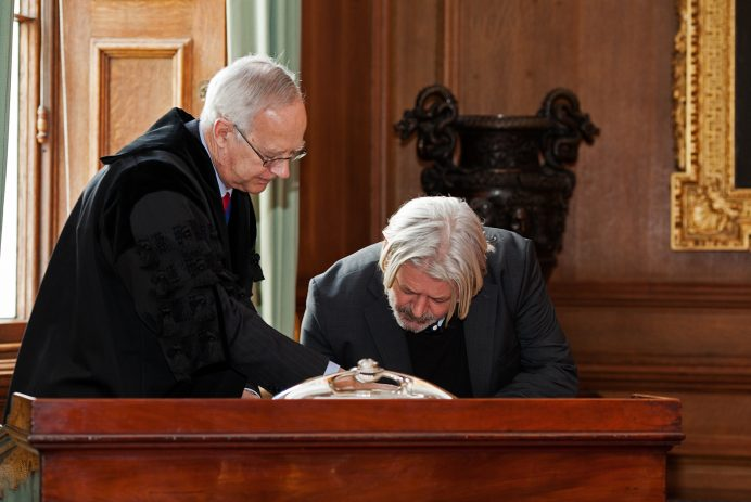 Stewart Hersey becomes a Freeman of the Worshipful Company of Goldsmiths